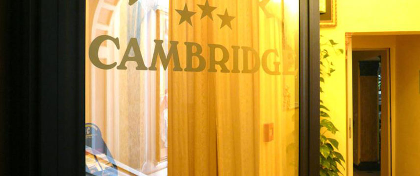 Hotel Cambridge - Entrance