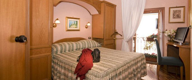 Hotel Concordia - Double Bedroom