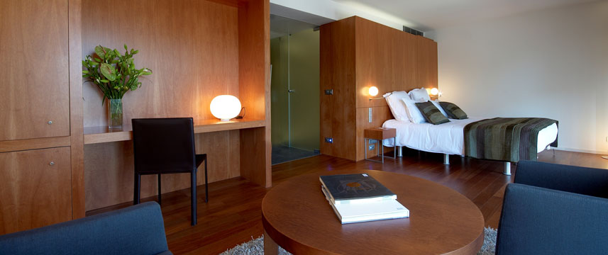 Hotel Condes Bedroom Seating