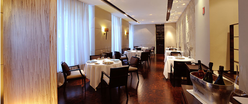 Hotel Condes Dining Room