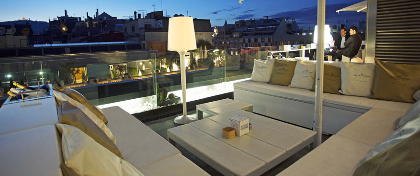 Hotel Condes Outdoor Seating