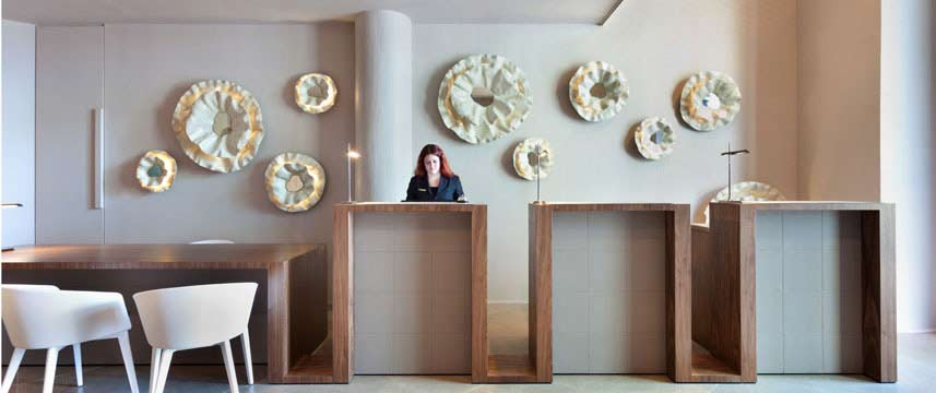 Hotel Condes Reception Desk