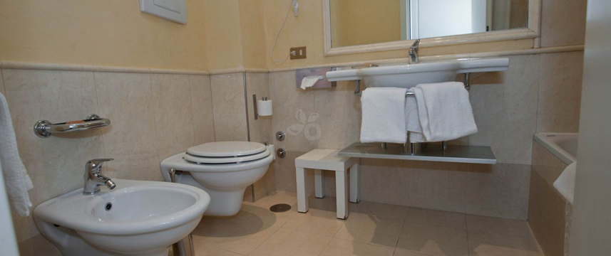 Hotel Condotti - Bathroom