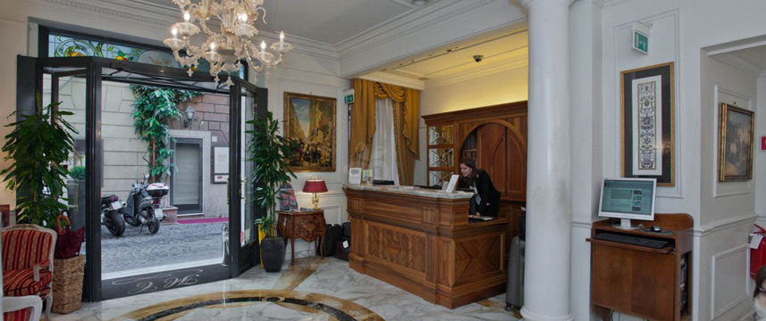 Hotel Condotti - Reception