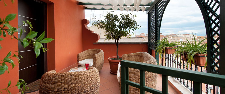 Hotel Fiume - BH Terrace Seating