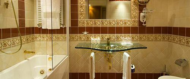 Hotel Homs - Bathroom