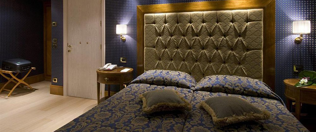 Hotel Homs - Twin Bedroom