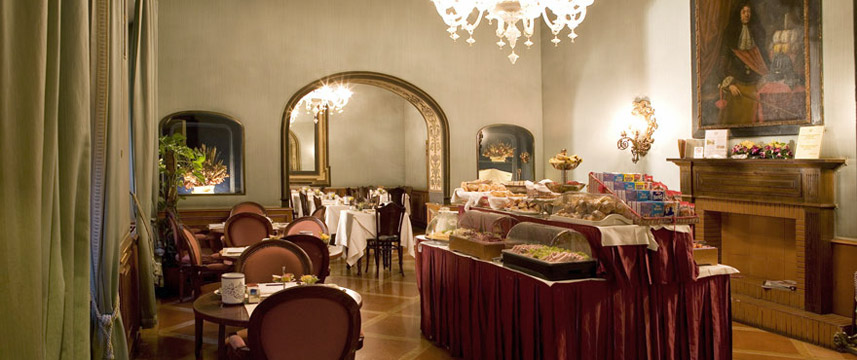 Hotel Internazionale - Breakfast Room