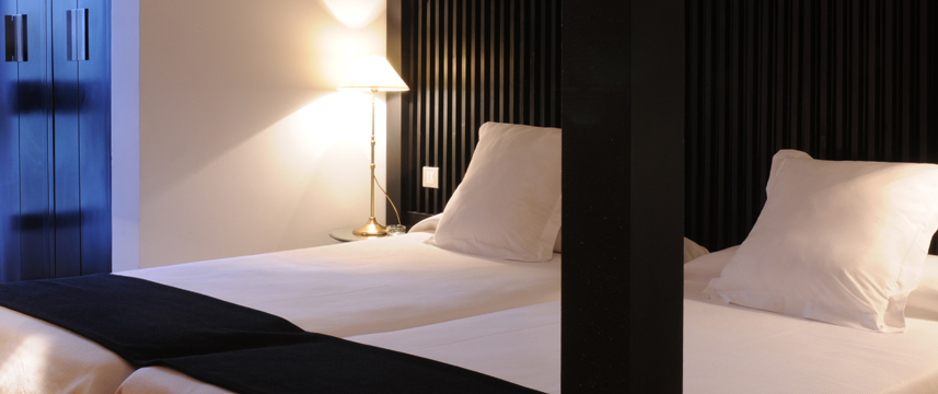 Hotel Market - Twin Bedroom