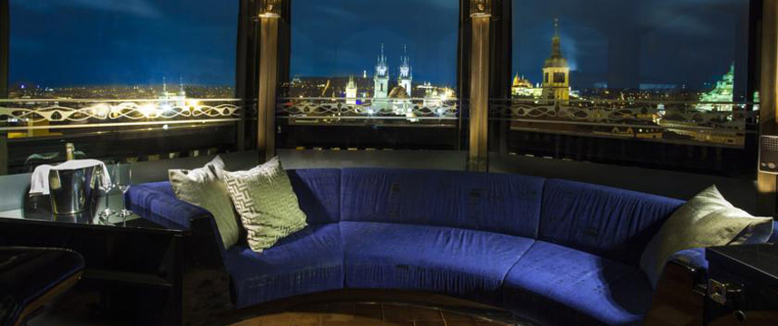 Hotel Paris - Suite Seating
