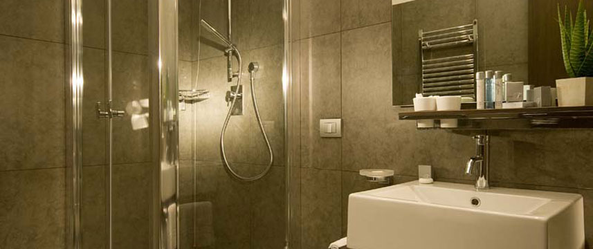 Hotel Trevi - Bathroom