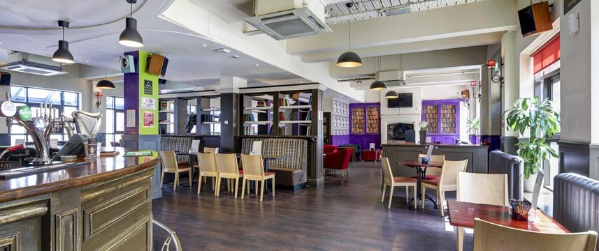 Ibis Styles London Excel - Custom House Pub