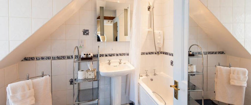 Kildonan Lodge Hotel - Classic Double Bathroom
