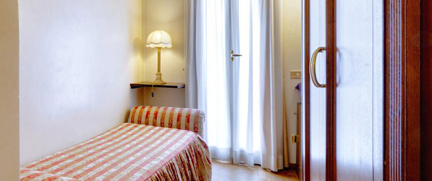 L`Hotel Cinquantatre - Single Room