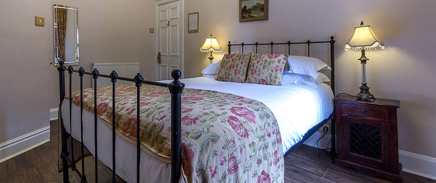 Lamb and Lion  Inn Executive Double Bed