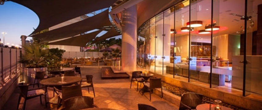 Media One Hotel Dubai - Outside Seating
