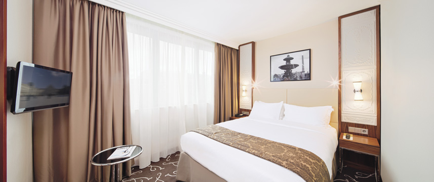 Movenpick Hotel Paris Neuilly Bedroom
