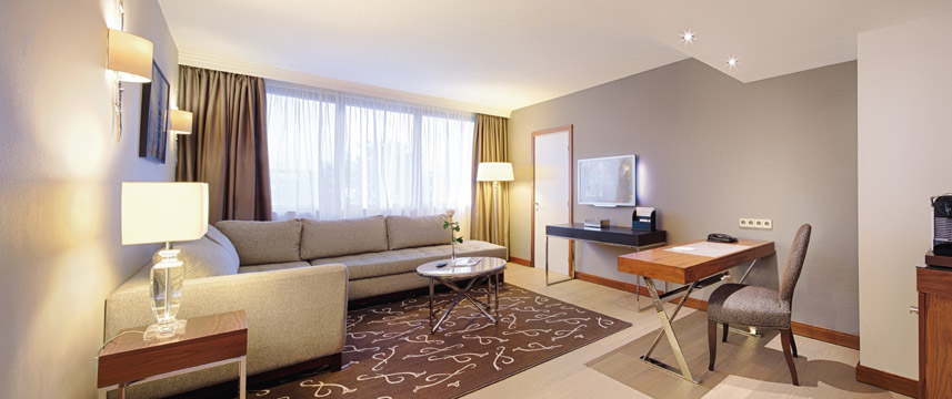 Movenpick Hotel Paris Neuilly Suite Living Area
