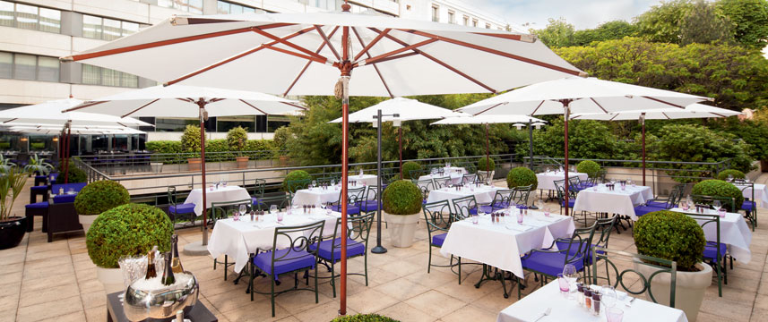 Movenpick Hotel Paris Neuilly Terrace Seating