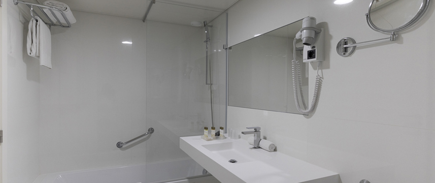 Olissippo Marques de Sa - Ensuite Bathroom