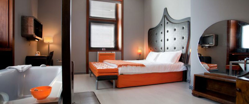 Orange Hotel - Junior Suite