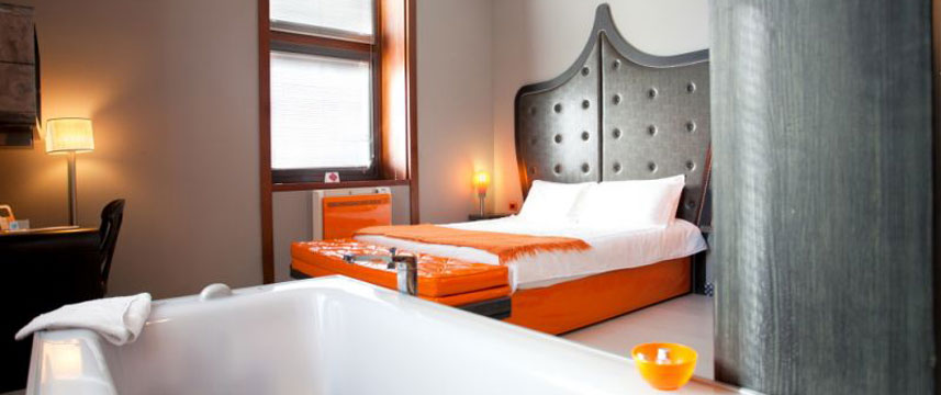 Orange Hotel - Junior Suite Room