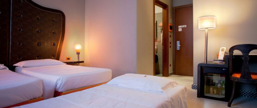 Orange Hotel - Large Deluxe Room
