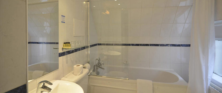 Princes Square Hotel - Bathroom