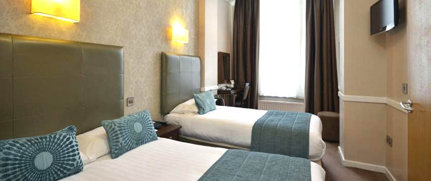 Princes Square Hotel - Triple Bedroom
