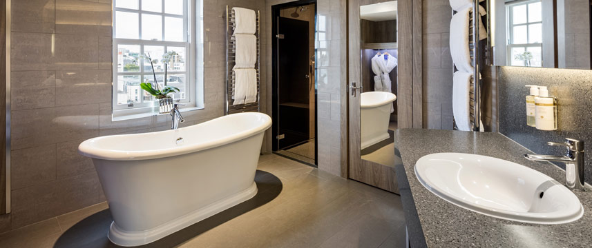 Radisson Blu Edwardian Berkshire - Studio Suite Bathroom