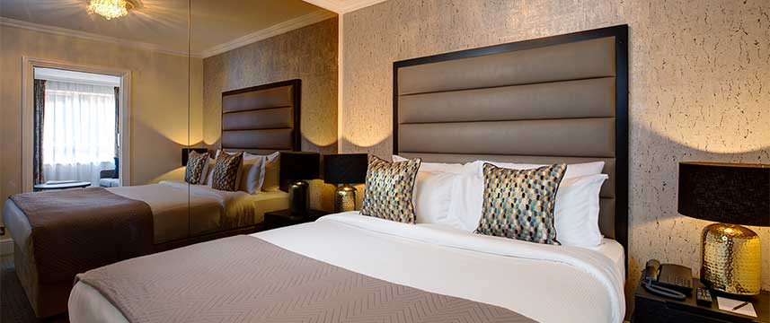 Rathbone Hotel - Suite Bed