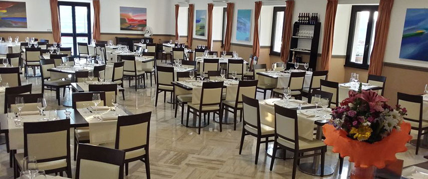 Regal Park Hotel - Restaurant