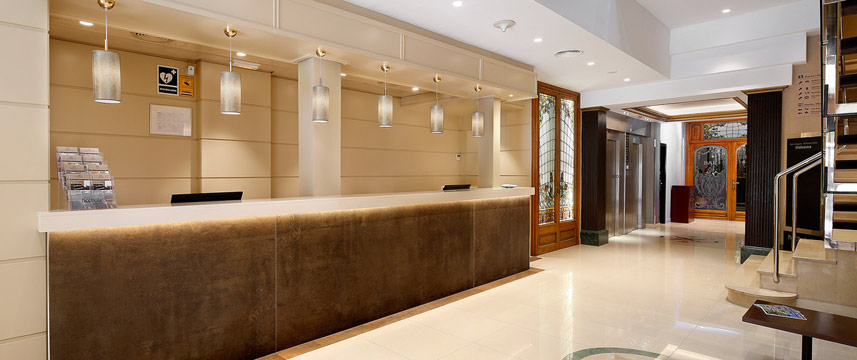 Regente Hotel - Reception Desk