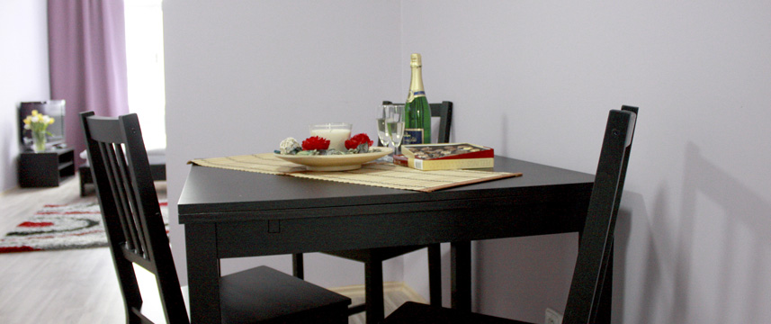 Royal Court Apartments - Prague - Studio Dining Area