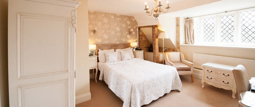 Rushton Hall Hotel and Spa - Classic Bedroom