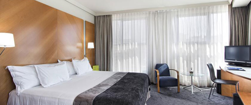 Silken Puerta Castilla - Junior Suite Room