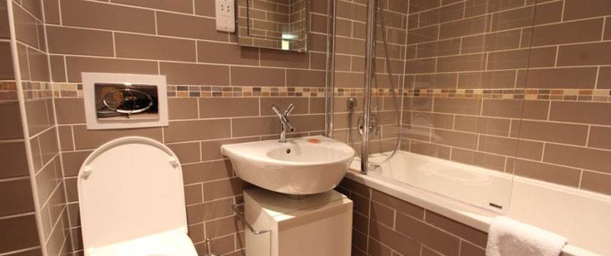 StayApartments Lever Court - Bath Room