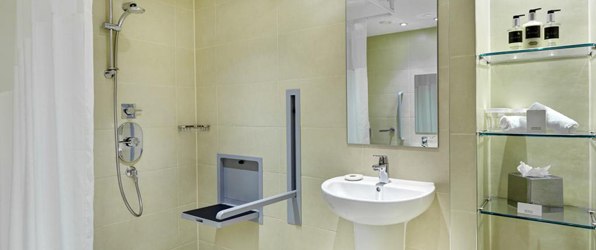 Staybridge Suites Newcastle - Accessible Bathroom