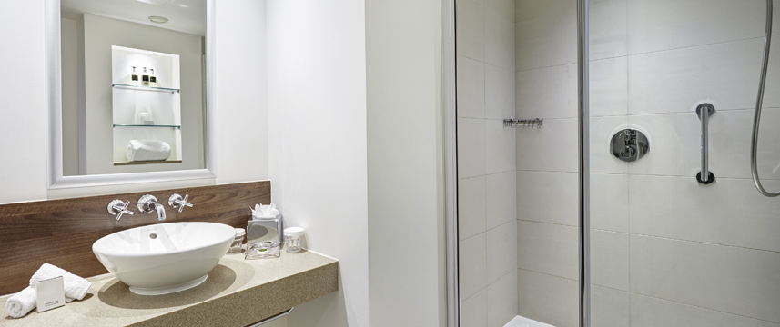 Staybridge Suites Newcastle - Shower Room