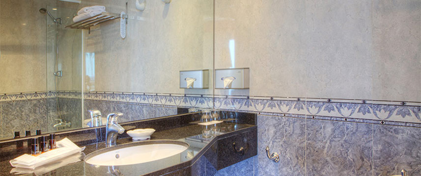 Sunway Playa Golf Superior Bathroom