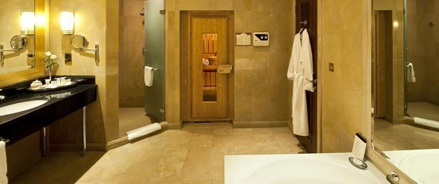 Taj Palace Hotel Bathroom