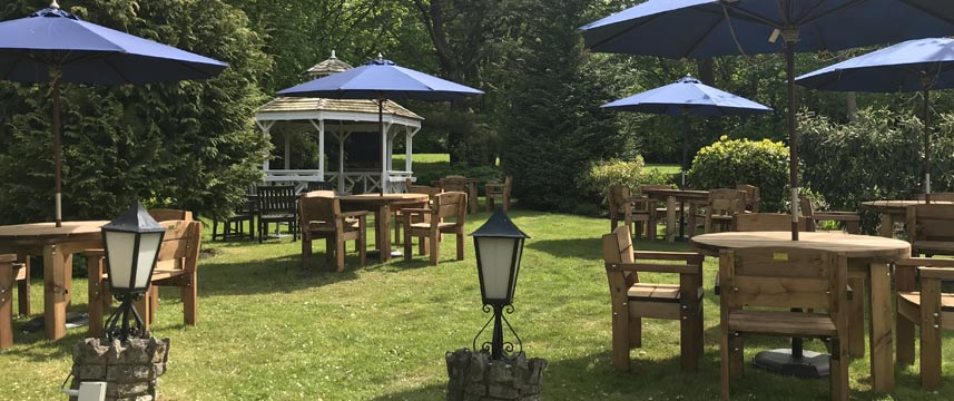Thatchers Hotel - Garden Seating