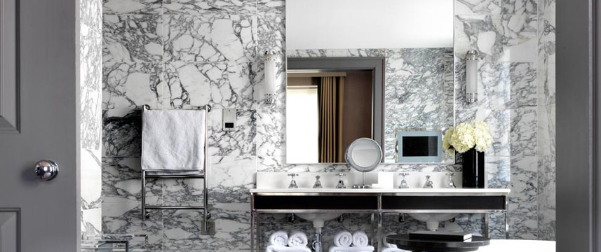 The Bloomsbury Hotel - Suite Bathroom
