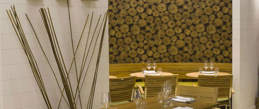 The Midland - Q Hotels - Dining Tables