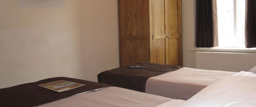The Old Mill Hotel - Twin Bed Room