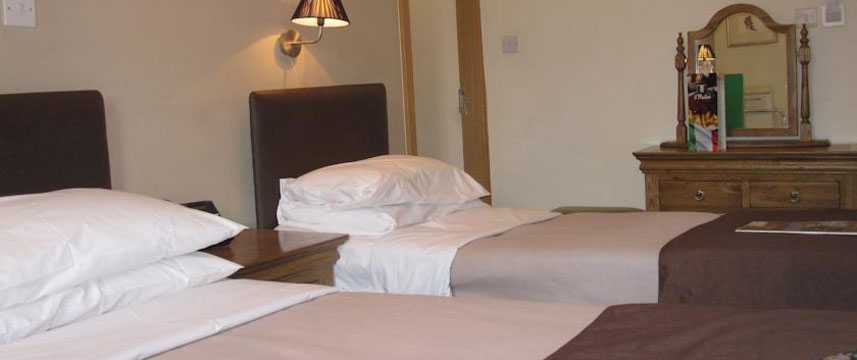 The Old Mill Hotel - Twin Bedroom