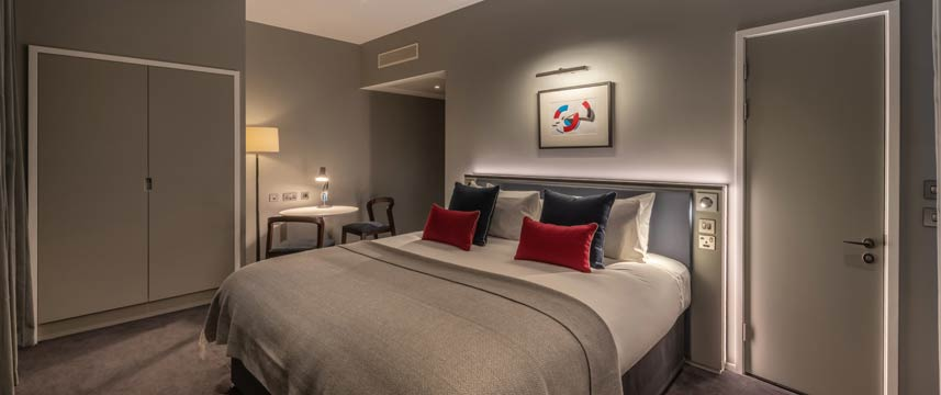 The Resident Covent Garden - Superior Room