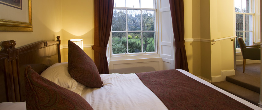 The Royal Scots Club - Kingsize Double Room
