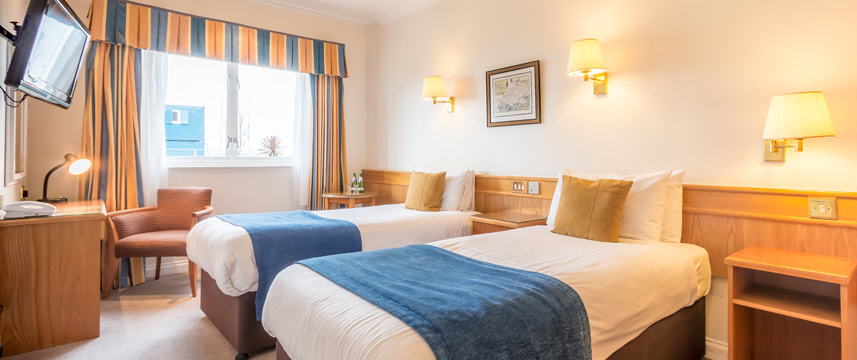 Thistle Poole - Twin Bedded Room