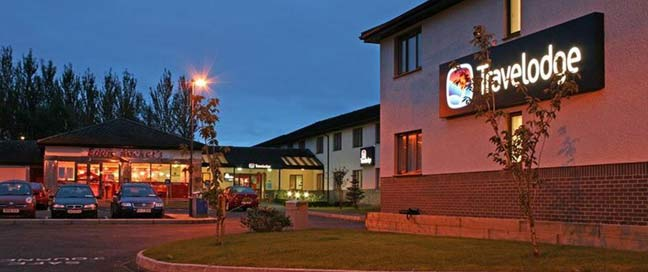 Travelodge Limerick - Exterior At Night